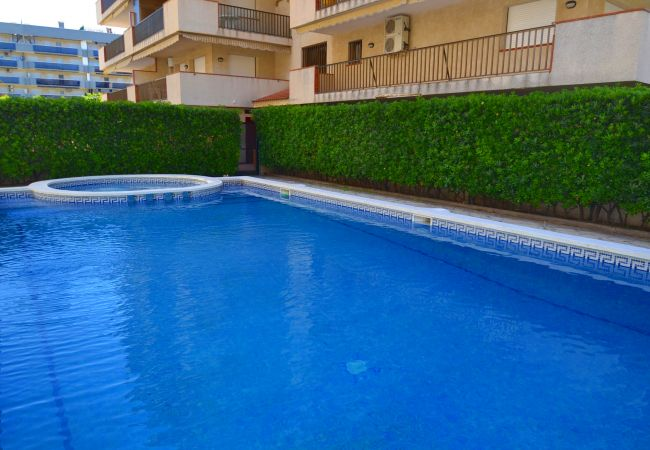 Apartment in La Pineda - CINCO VILLAS