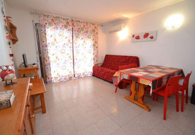 Apartment in Salou - MARIPOSA 5