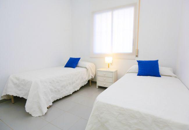 Apartment in Cambrils - GOLF A BAJOS 9