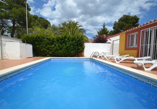 Villa climatizada con piscina privada