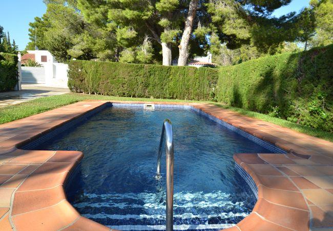 Villa climatisée avec Internet et piscine privée